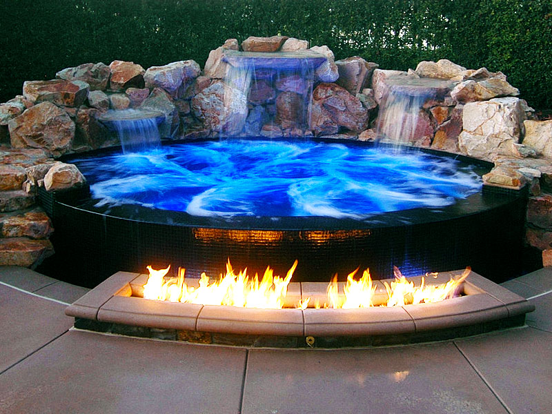 Greecian pools bakersfield ca spool cocktail swimming for Pool and jacuzzi designs